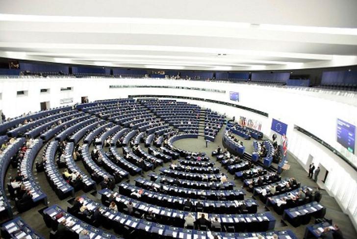 Elezioni europee 2014: hanno intenzione di votare due giovani su tre